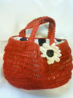 去年のバッグにお花をアレンジ